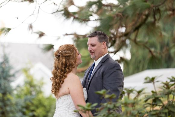 Bride and Groom Ainsworth House and Gardens Wedding. Oregon City.
